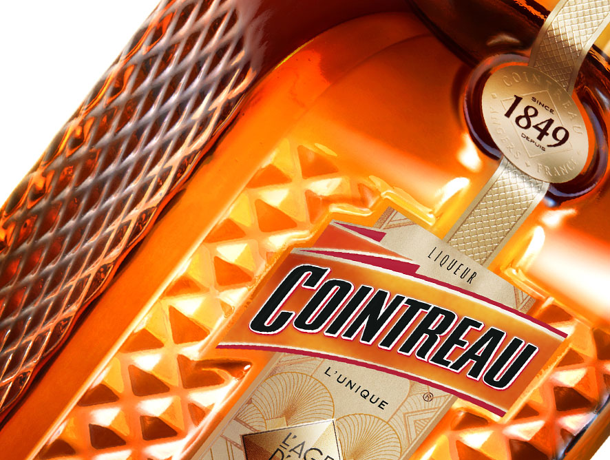 The new Cointreau L'âge d'or du cocktail Limited Edition is cut like a diamond